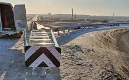На Енисейском тракте установили экспериментальный дорожный демпфер.